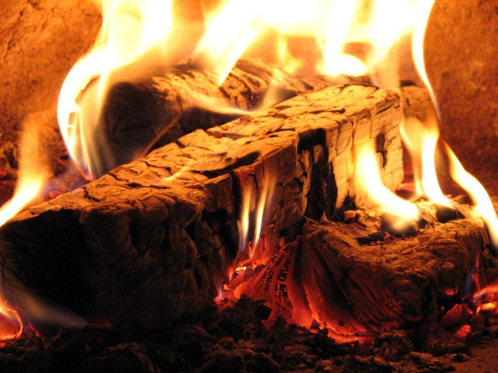 Feuer in Ofen